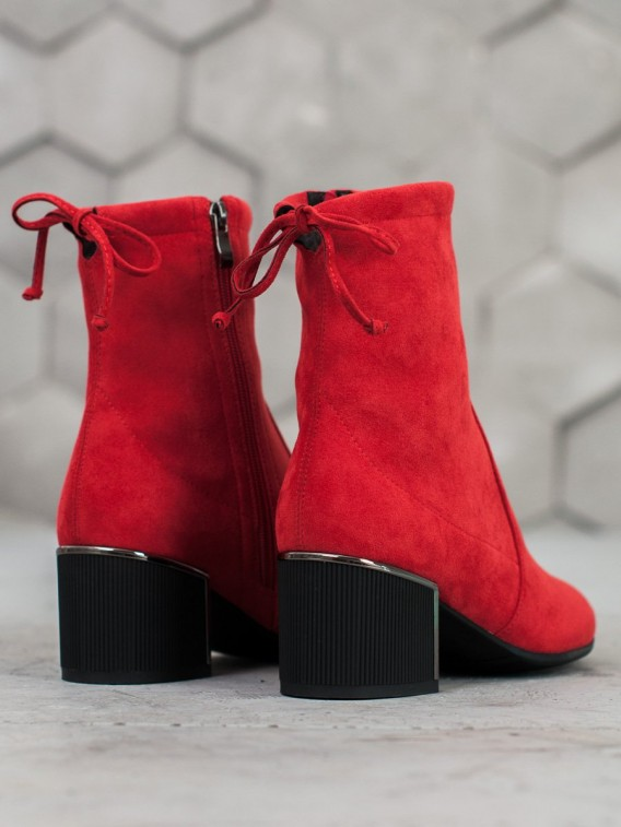 Štýlové členkové topánky v odtieni červenej
