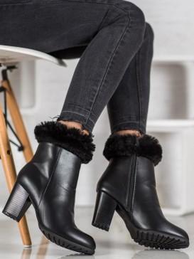 Členkové topánky na stĺpci s kožúškom