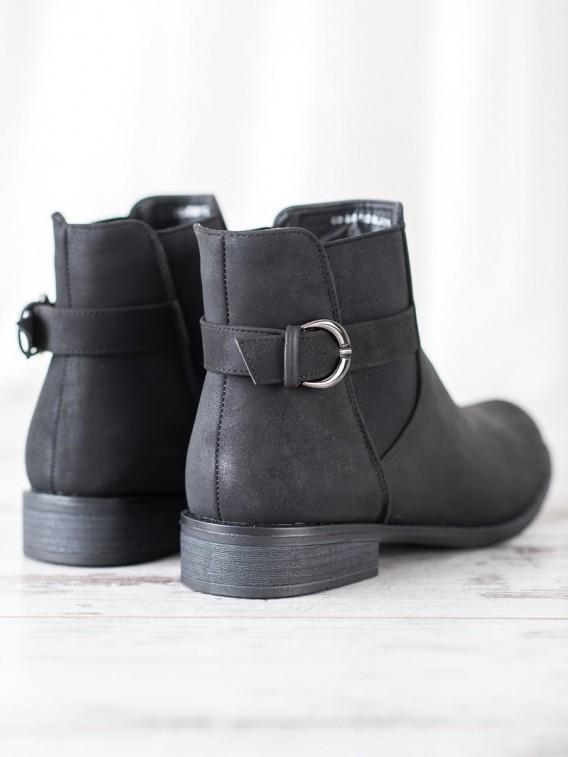 Nazúvacie členkové topánky s prackou