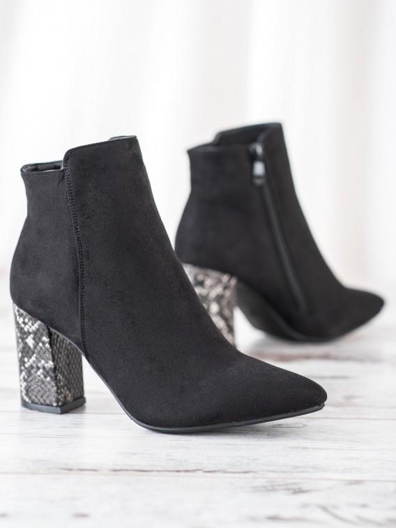Členkové topánky s hadím motívom