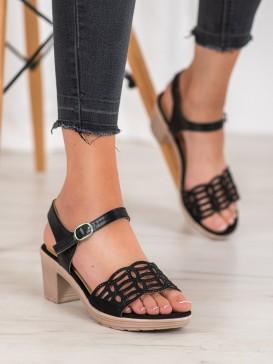 Pohodlné sandálky na hrubom stĺpci