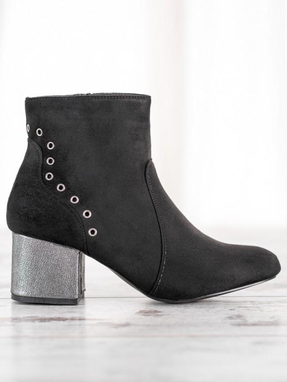 Štýlové čierne členkové topánky