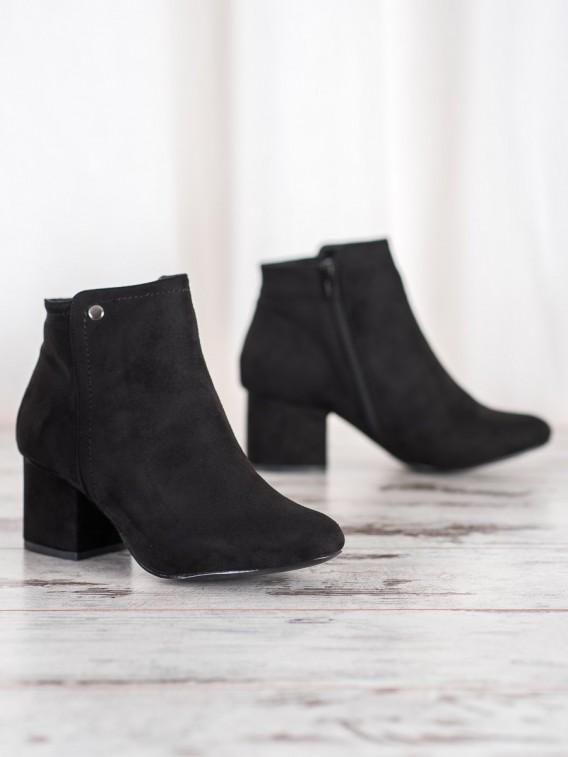 Čierne členkové topánky so semišu