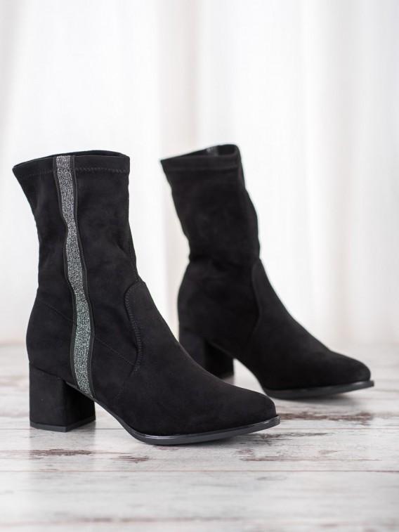 Štýlové nazúvacie členkové topánky
