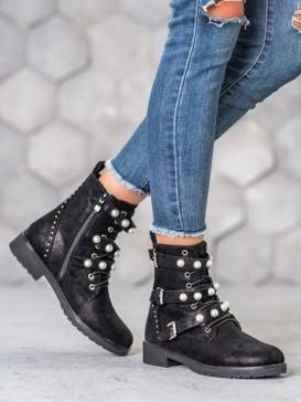 Vysoké topánky s perličkami