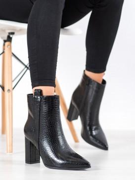 Štýlové členkové topánky so vzorom