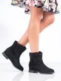Nazúvacie členkové topánky s klinom