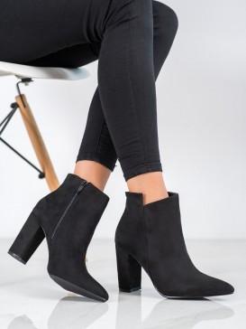 Štýlové členkové topánky do špičky