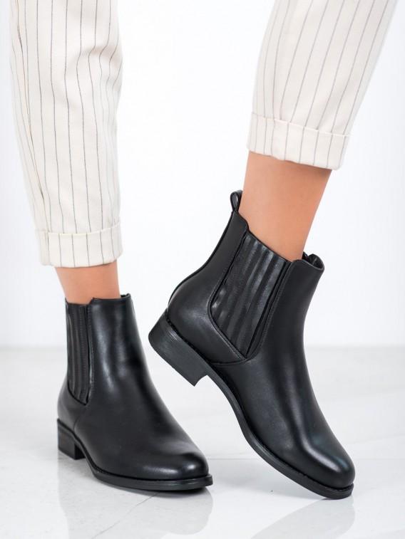 Topánky na nízkom podpätku