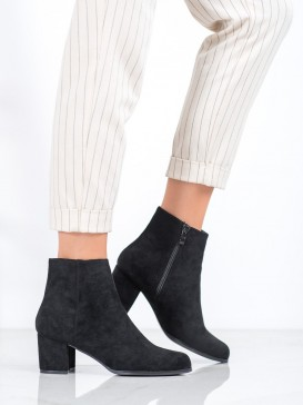 Čierne topánky na podpätku