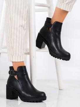 Nazúvacie topánky s prackami