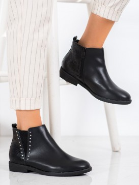 Čierne topánky s hadím vzorom
