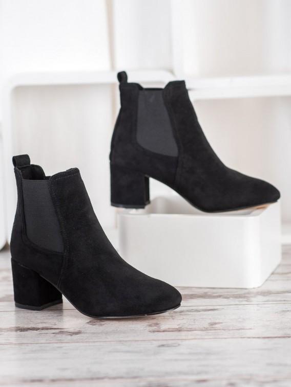 Nazúvacie topánky na podpätku