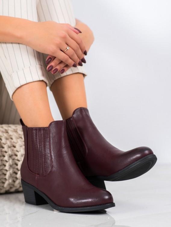 Klasické nazúvacie členkové topánky