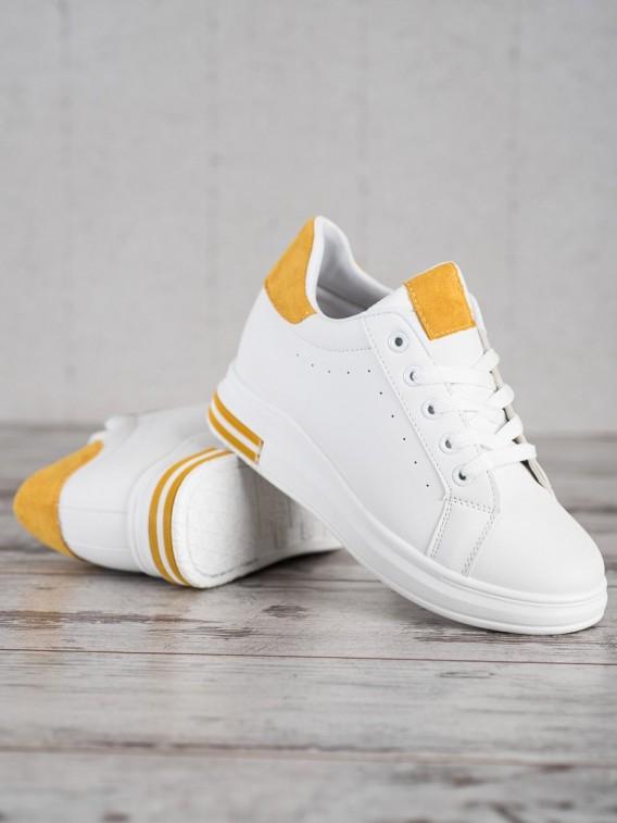 Topánky športové na vyššom podpätku