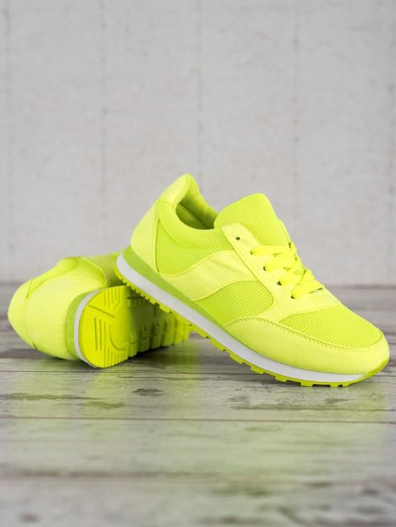 Neónové športové topánky