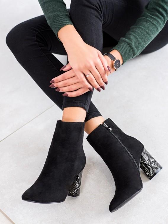Topánky na podpätku s hadím vzorom