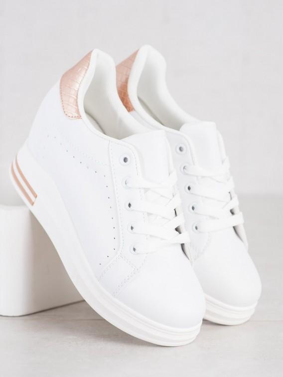 Športové topánky n a kline
