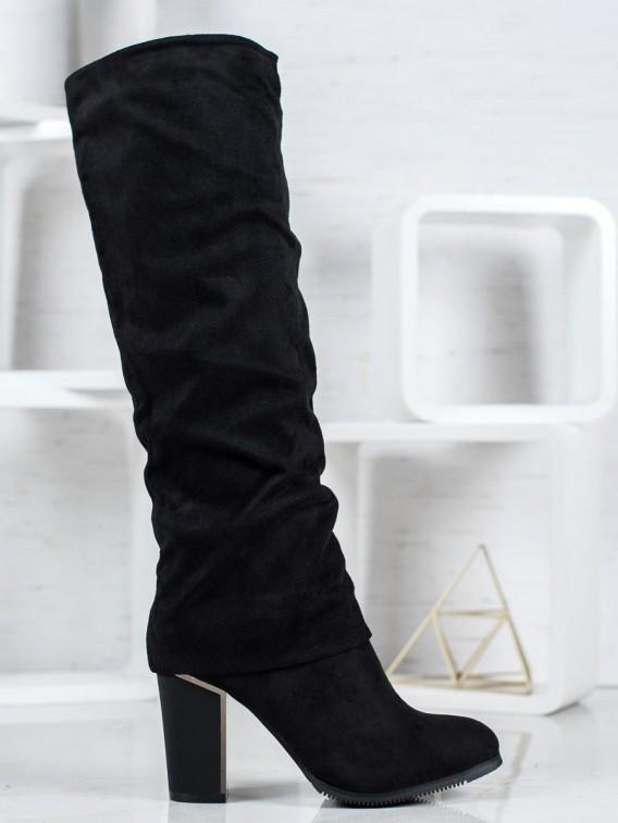 Elegantné čižmy na podpätku