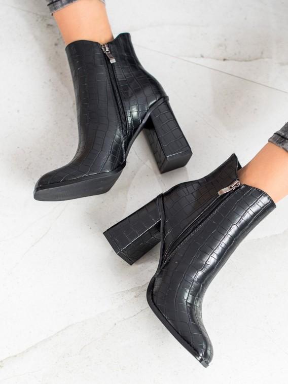 Členkové topánky na stĺpci Fashion