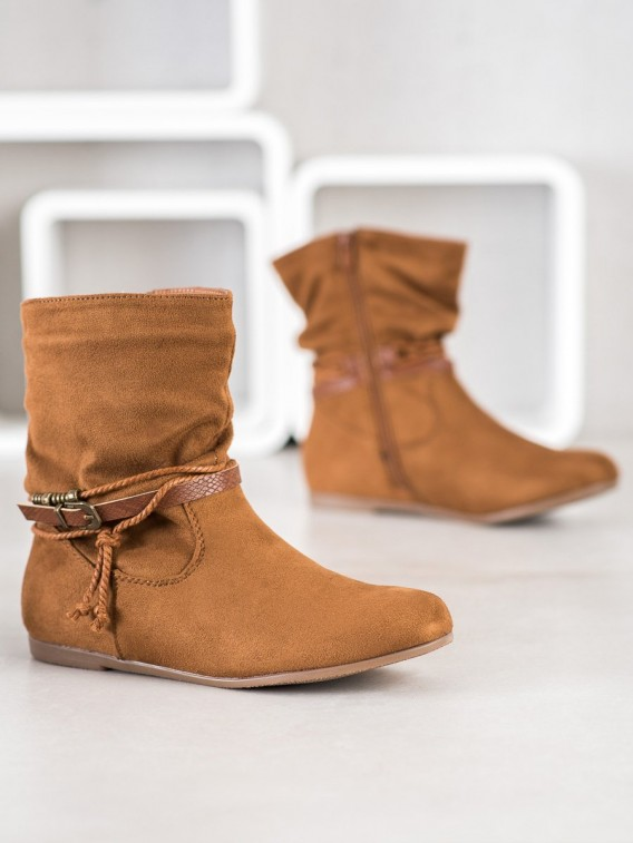 Módne členkové topánky zo semišu