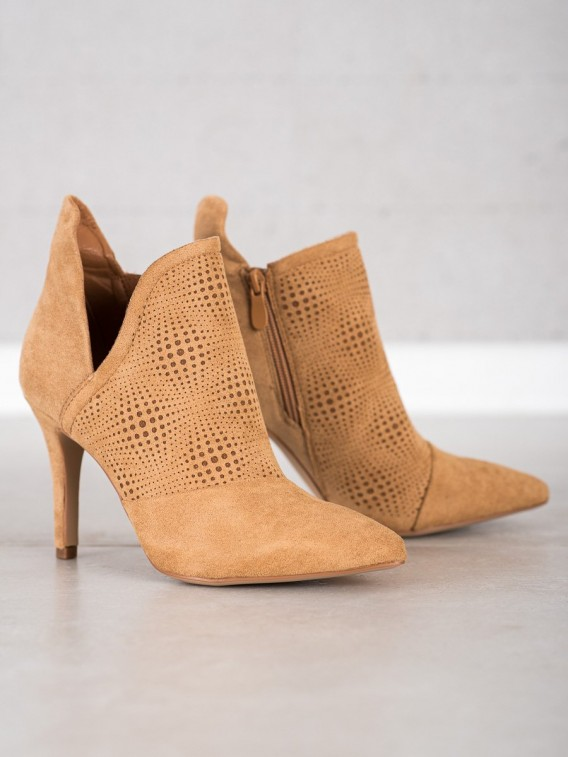 Štýlové členkové topánky na ihličkovom podpätku