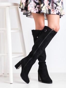 Čierne elegantné čižmy