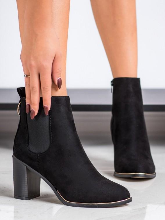 Členkové topánky na vysokom stĺpci