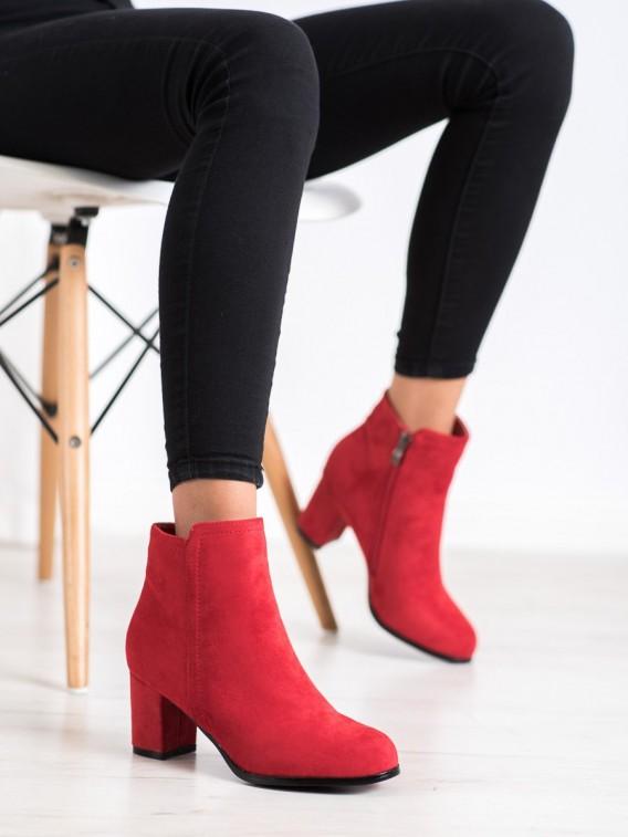 Módne červené topánky