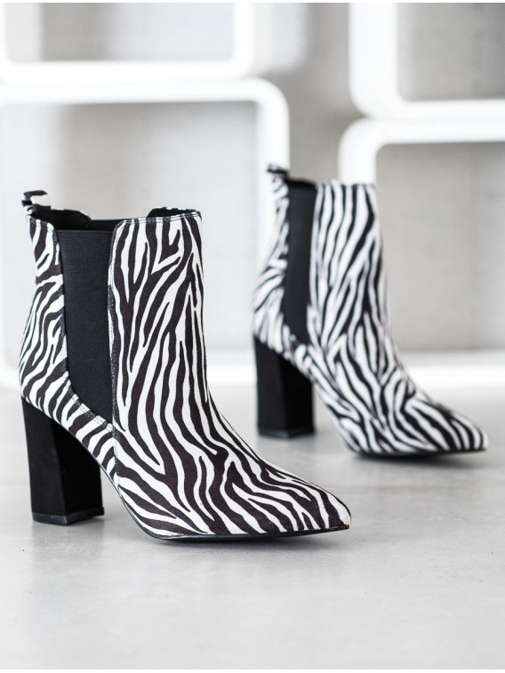 Členkové topánky so zebrovaným vzorom