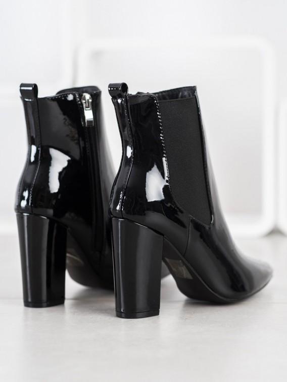 Lakované topánky do špičky