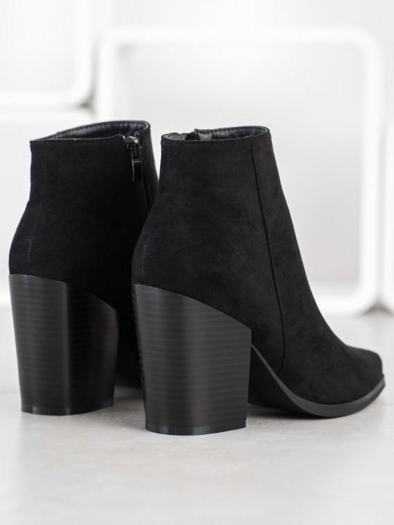 Čierne členkové topánky na širokom stĺpci