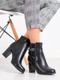 Členkové topánky s ozdobným opaskom