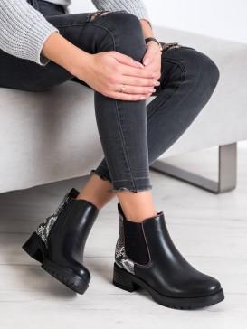 Pohodlné členkové topánky s hadím vzorom