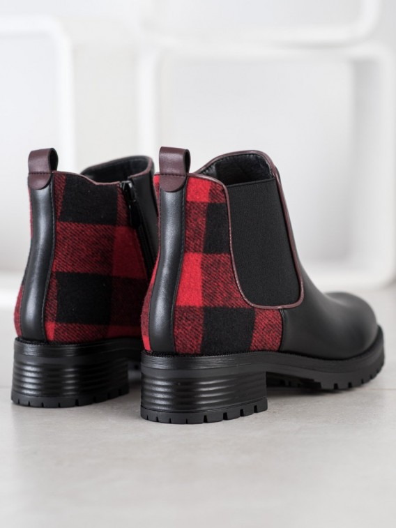 Pohodlné členkové topánky s károvaným vzorom