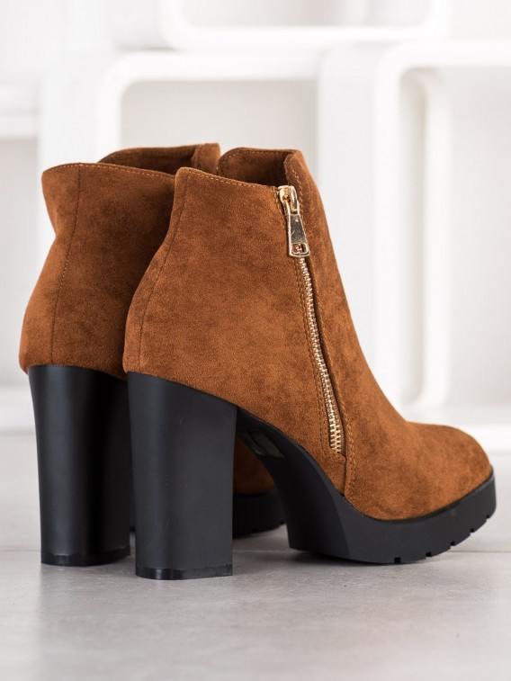 Členkové topánky na vysokom podpätku