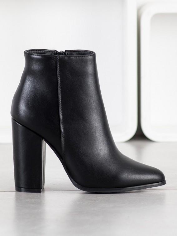 Klasické členkové topánky z eko kože
