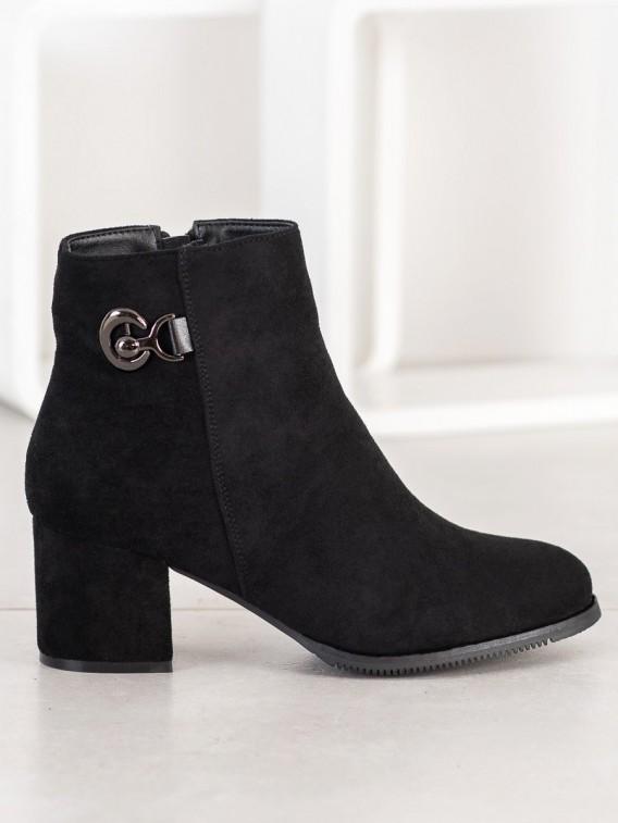 Členkové topánky na podpätku
