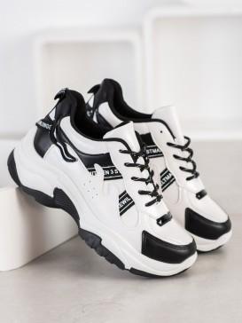 Pohodlne sneakersy z eko kože