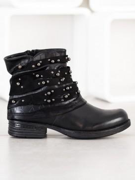 Pohodlné topánky s ozdobami