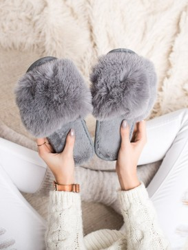 Štýlové šedé papuče