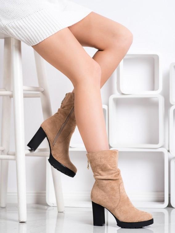 Vysoké členkové topánky na platforme