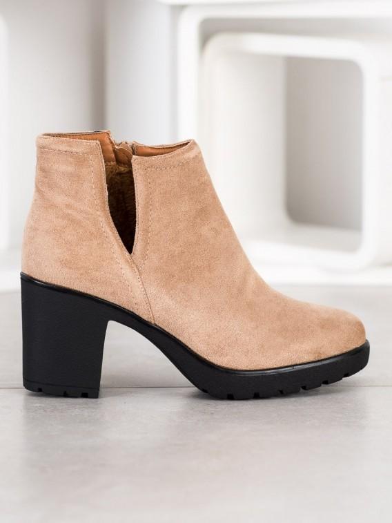 Béžové členkové topánky s výrezom