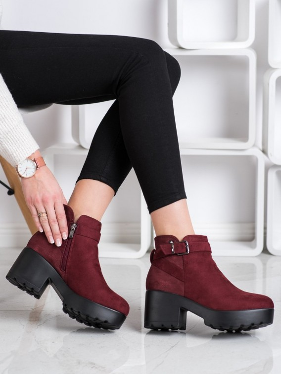 Ľahké členkové topánky na platforme
