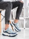 Módne svetlo modré sneakersy