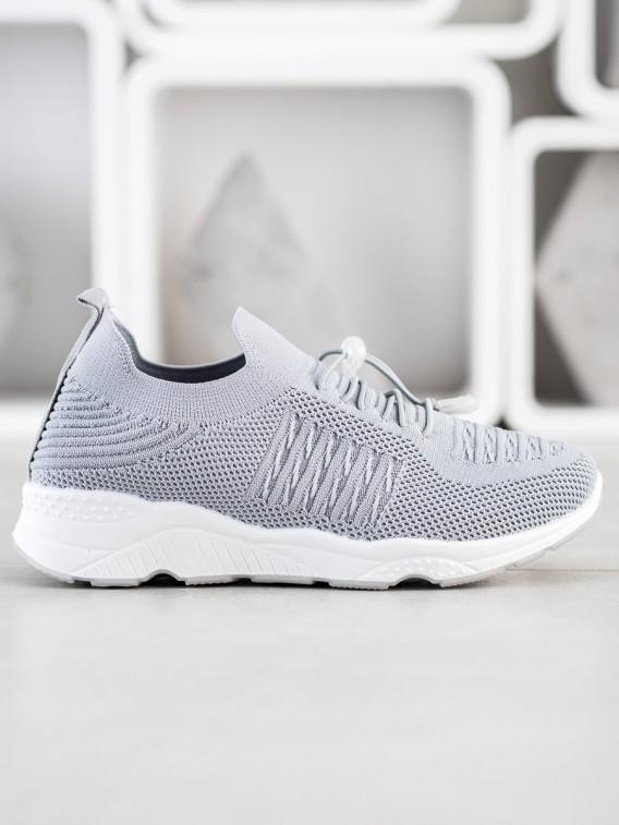 Pohodlné športové topánky