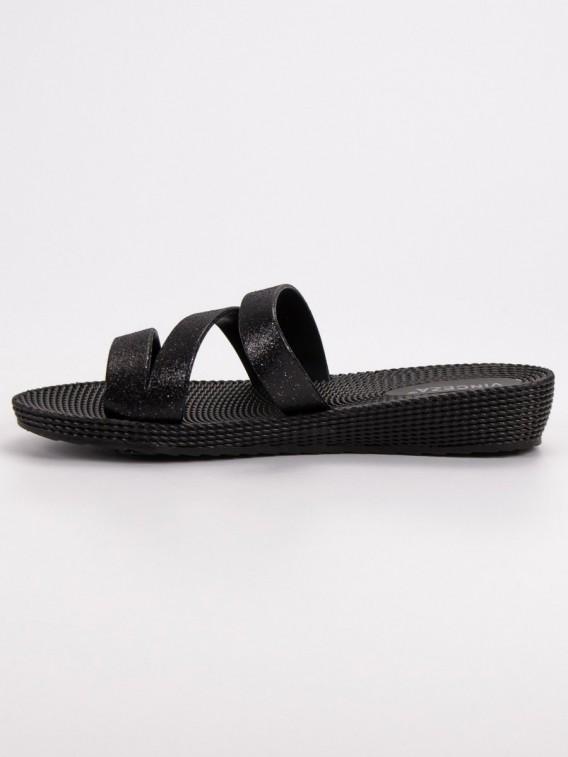 Čierne šľapky Vinceza