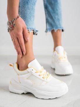 Klasické biele sneakersy