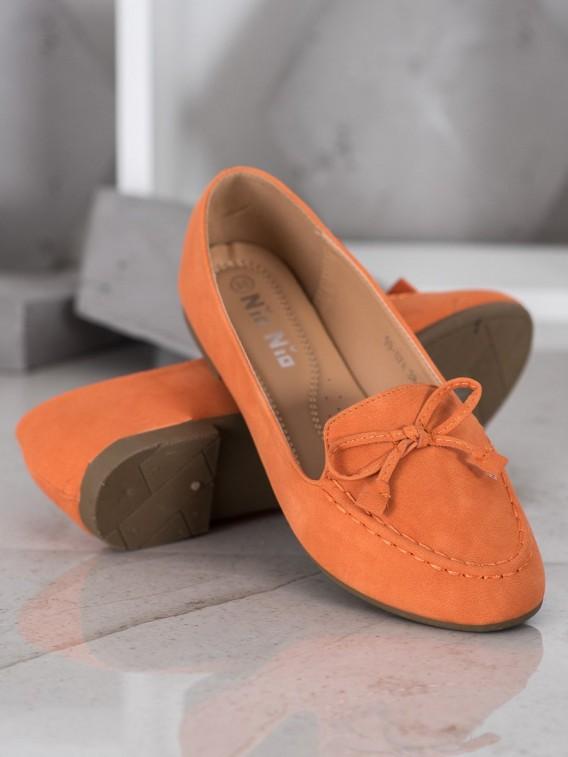 Pohodlné oranžové mokasíny