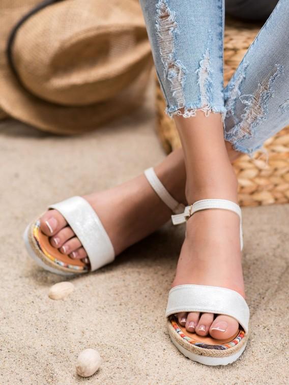 Pohodlné semišové sandálky